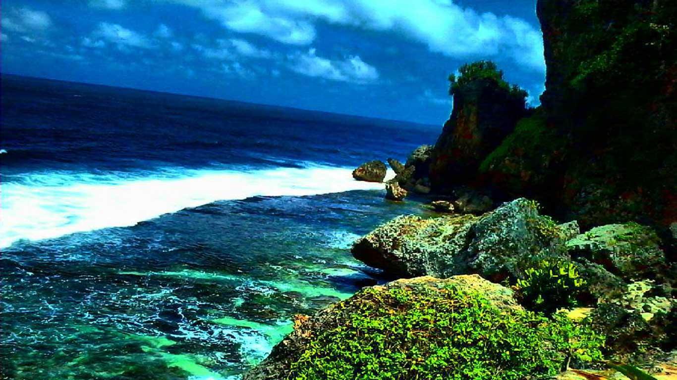Indahnya Pantai Ngobaran