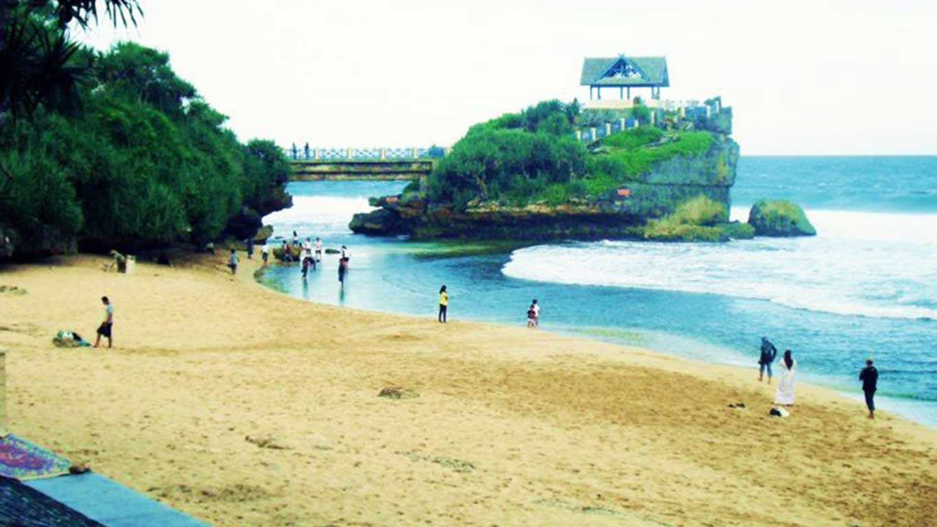 Objek Wisata Pantai Drini