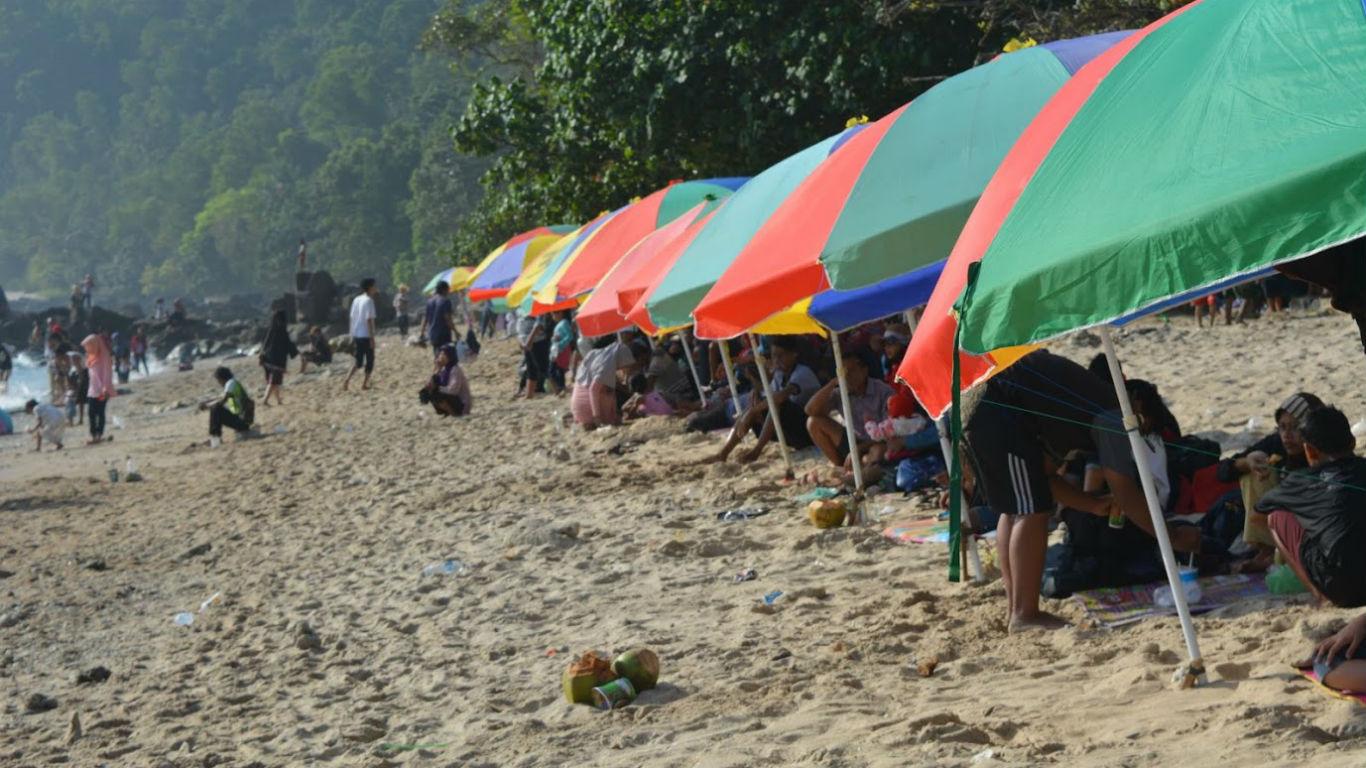 Pesisir Pantai Wediombo