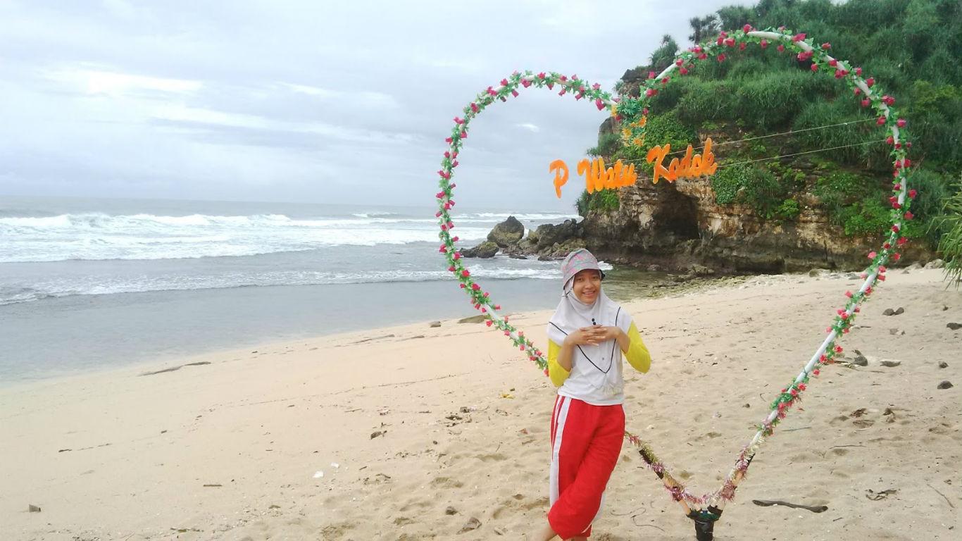 Spot Foto Pantai Watu Kodok