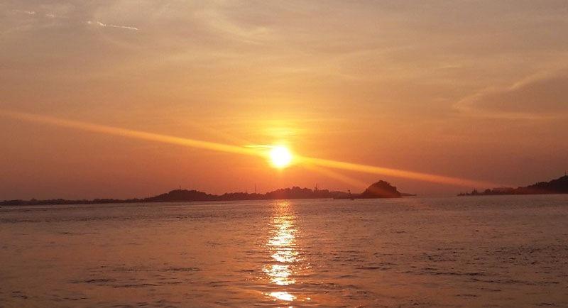 Sunset Di Pantai Tanjung Pinggir Batam