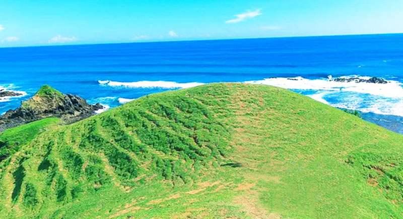 Bukit Di Pantai Seger Lombok