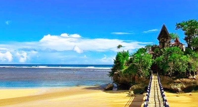 Pemandangan Pantai Sipelot Malang