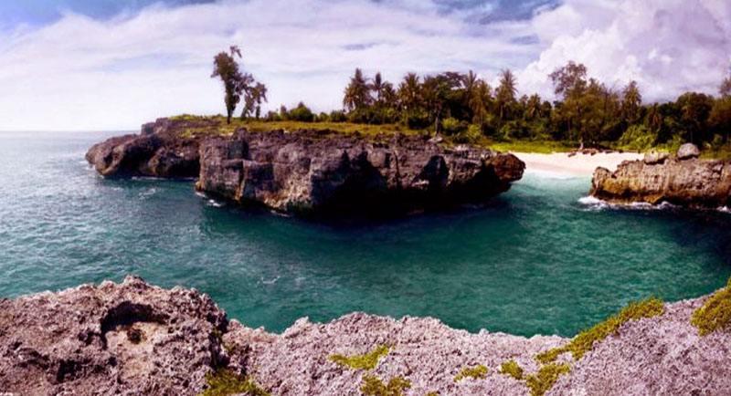 Pemandangan Di Pantai Pero Sumbawa