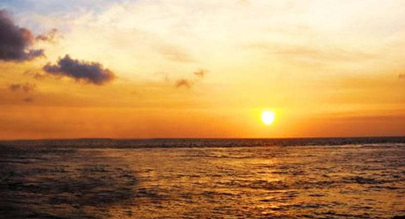 Sunrise Di Pantai Cemara Banyuwangi