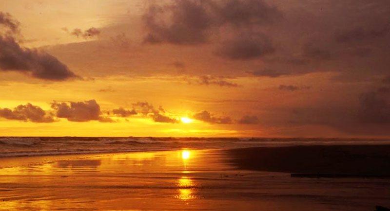 Sunset Di Pantai Parangtritis